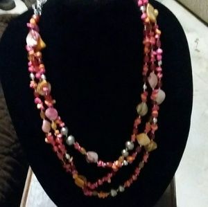 Jewelry - Nice pink shell necklace and earring set